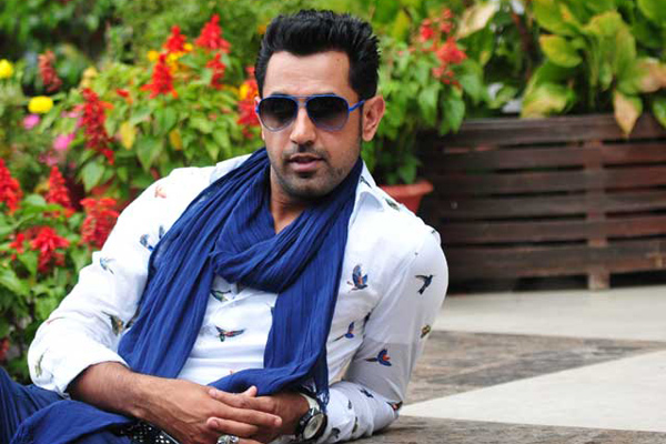 Gippy Grewal Farhan gelled well Lucknow Central sets