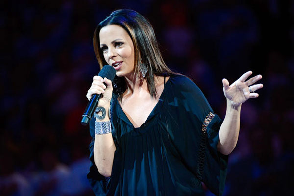 Sara Evans' new album 'Words' hits #1 on iTunes within hours