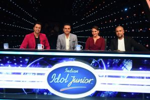 Virendra Sehwag along with the judges of Indian Idol Junior