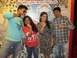 'All is Well' starcast Abhishek Bachchan, Asin and Umesh Shukla with RJ Malishka at 93.5 RED FM studio