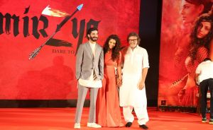 Filmmaker Rakeysh Omprakash Mehra with actors Harshvardhan Kapoor and Saiyami Kher