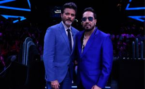Anil-Kapoor and Mika Singh on-the set of Dil Hai Hindustani