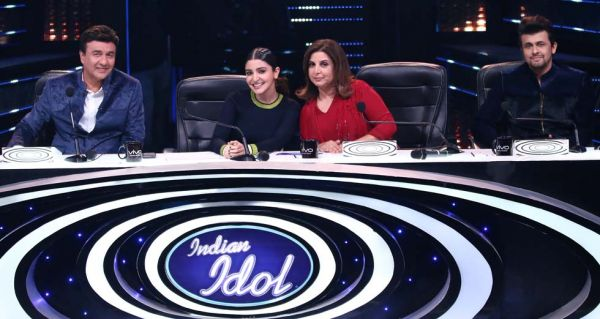 Anu Malik, Anushka Sharma, Farah Khan & Sonu Nigam on Indian Idol 9