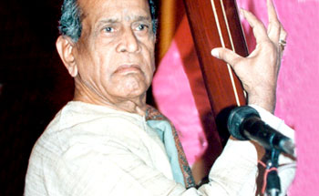 mastreos pandit bhimsen joshi ms Sudhir nayak (marathi: सुधीर नायक, kannada: ಸುಧೀರ್ ನಾಯಕ್, born 15 may 1972) is an indian classical harmonium player, a disciple of pandit tulsidas borkarsudhir has the honour of having performed along with pandit bhimsen joshi and shubha mudgal at the central hall of the parliament of india.