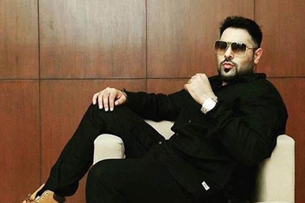 2fdd1847f7f8 Rapper Badshah s  dream come true  moment at Star Parivaar Awards ...