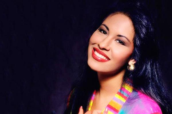 Google doodle celebrates iconic singer selena quintanilla google doodle celebrates iconic singer selena quintanilla voltagebd Gallery