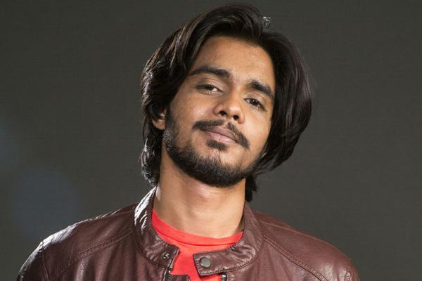 Mohit Suri Gives Singing Break To Ved Sharma Radioandmusic Com