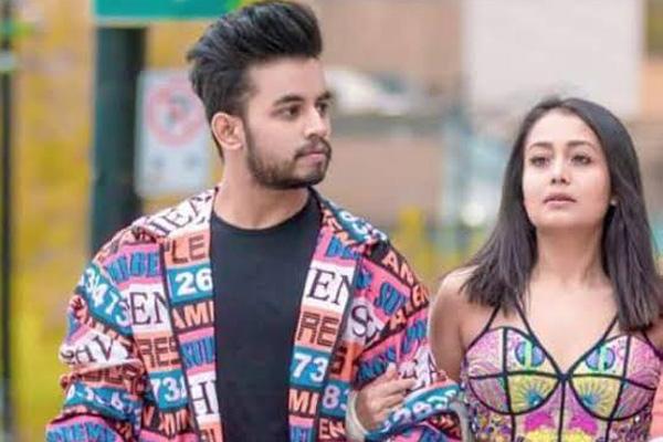 Is Ex Indian Idol Contestant Vibhor Parashar Neha Kakkar S New Found Love Radioandmusic Com