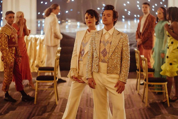 Harry Styles, Phoebe Waller-Bridge Team for 'Treat People With Kindness' Video
