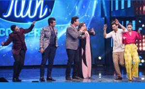 Varun Dhawan and Alia Bhatt on 'Indian Idol 9'