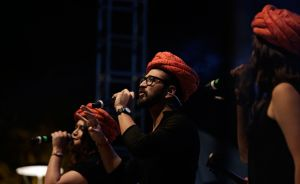 Amit-Trivedi-along-with-his-band-performing-at-SF'18