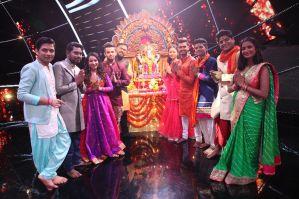 Contestants of Indian Idol 10 with Bappa Morya