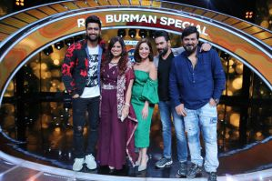 Vicky kaushal, Yami Gautam along with the judges Shekhar Ravjiani, Richa Sharma and Wajid Khan