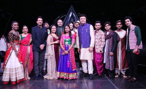 Gurdas Maan with the Indian Idol team
