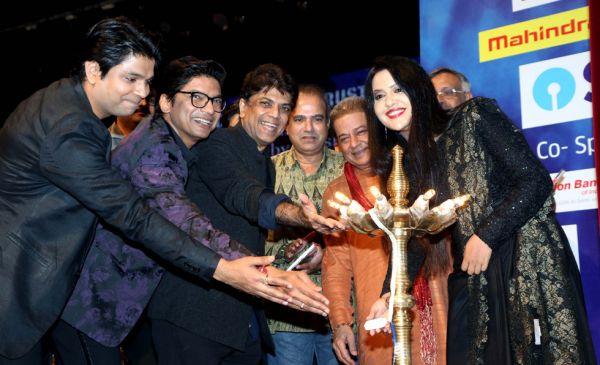 Ankit Tiwari,Shaan,Saurabh Daftary,Suresh Wadkar,Anup Jalota & Amruta Fadnavis